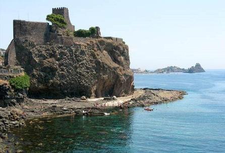 Castello di Acitrezza